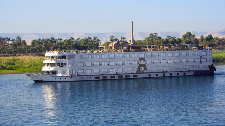 Nile Azur Ship